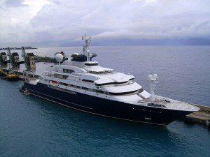 Paul Allan's little 414' yacht named Octopus.